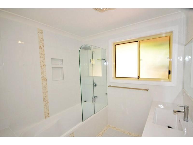 11 Dandenong Close, Avoca Beach NSW 2251